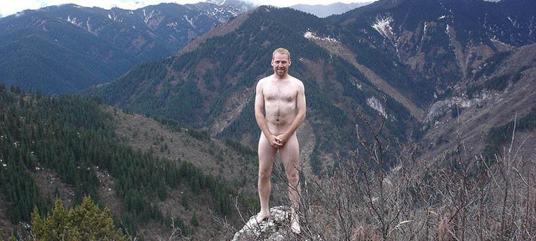 « Naked on top » : les Romands tombent la chemise sur Facebook
