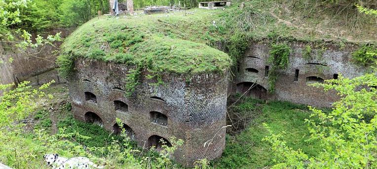 Le fort de Seclin : un camp naturiste éphémère ?