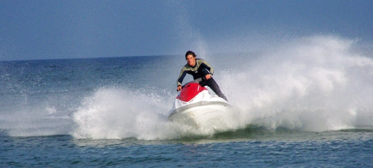 Jet ski sauveteur